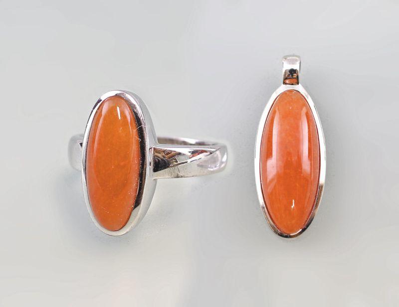 8025262 Ring Gr. 66 und Anhänger mit orangefarbenem Cabochon 925er Silber