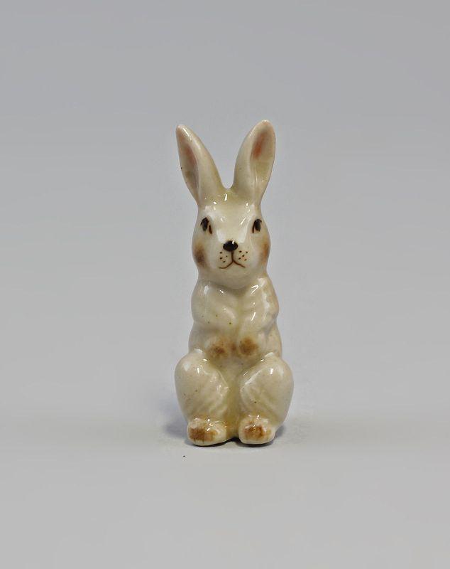 Porzellan Miniatur Figur Kaninchen Hase sitzend H4,5cm 9982345