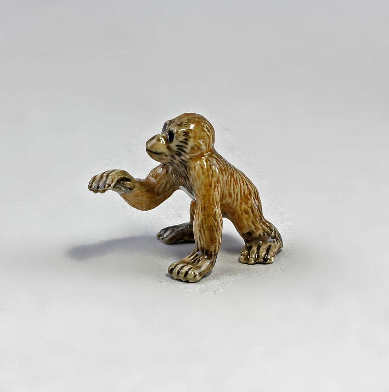 Miniatur Porzellan Figur Orang Utan Baby 3,5x3cm 9982084