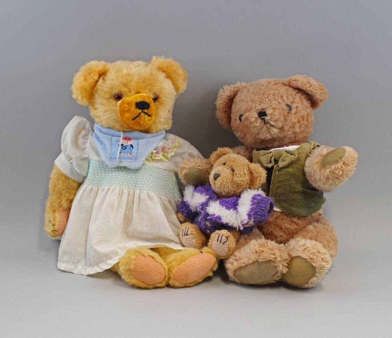 8010011 Teddy-Familie 3 Teddys Mutter Vater Kind Plüsch alt