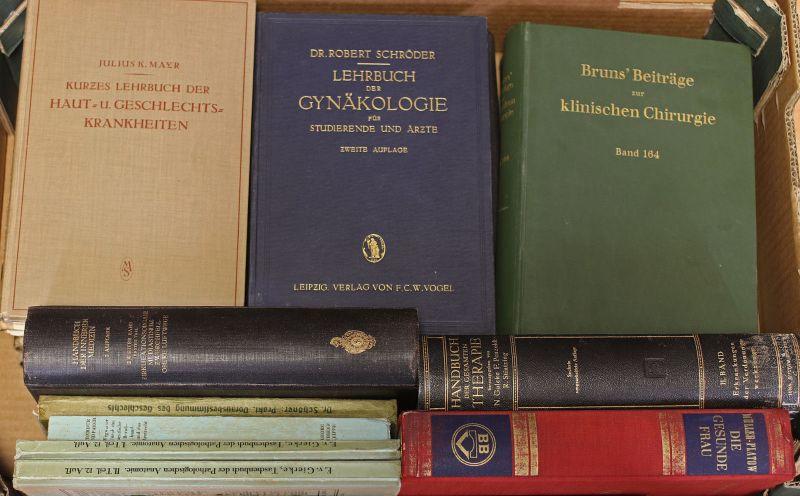 8055019 Konvolut Bücher Medizin, Chirurgie, Gynäkologie, Physiologie u.a.