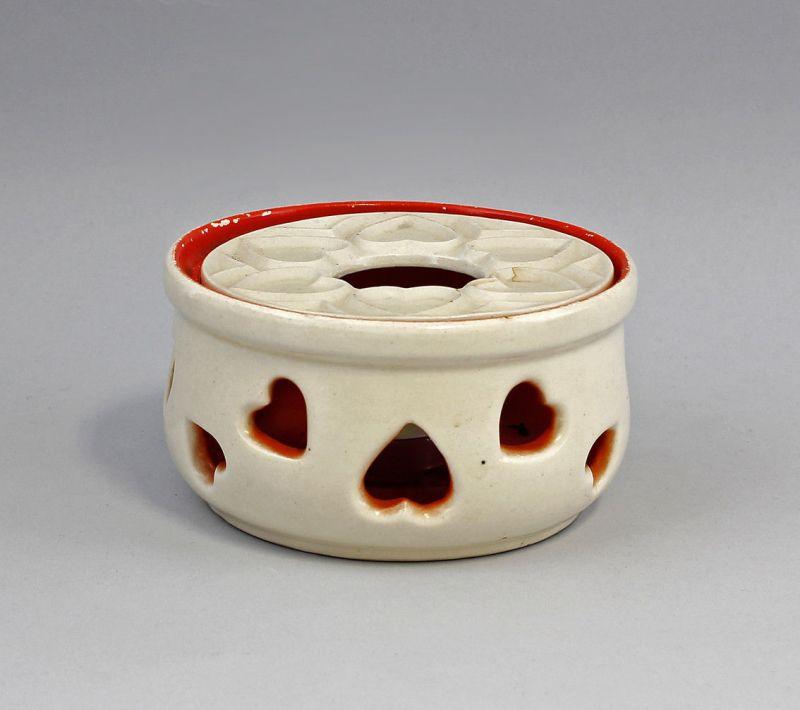 99845521 Stövchen für Teekanne Keramik Art deco Herzmuster