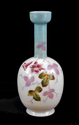 Vase Opalinglas Floraldekor 19. Jh. zart rose-farbenes opakes Glas 99835215