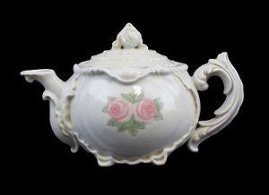 Teekanne mit Rosen Ens um 1920 ornamental verziert Unterglausbemalung  99840261