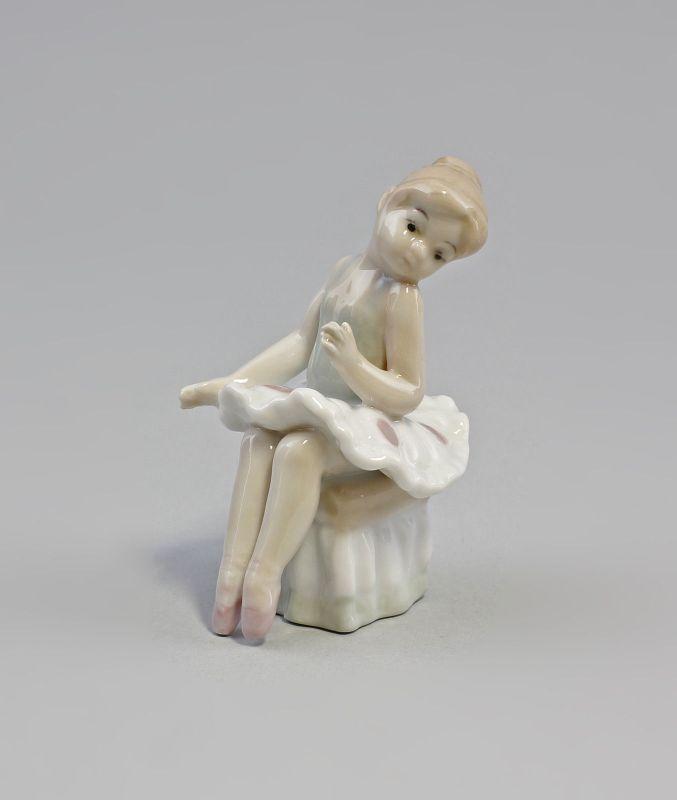 Kleine Porzellan Tänzerin  Ballerina grün  9973003  II.Wahl