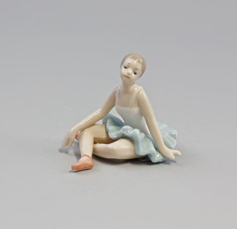 Porzellan Ballerina  Tänzerin grün  9973001  II.Wahl