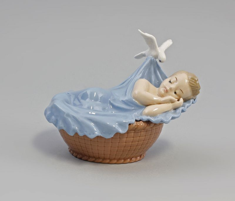 Porzellan Baby Junge im Korb  9973132  II.Wahl