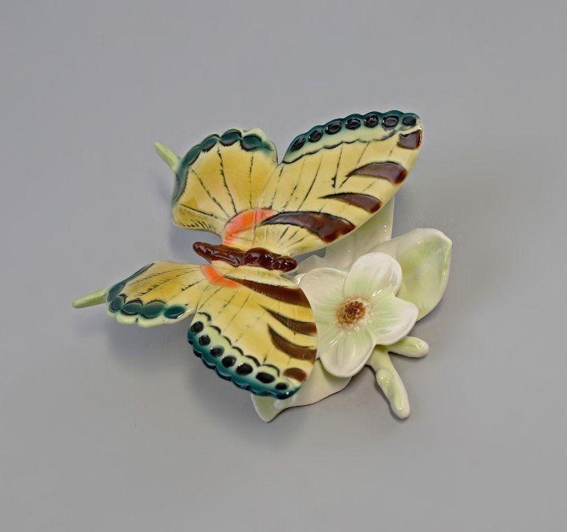 9941933 Ens Porzellan Figur Schmetterling Blüte grün 10x11cm