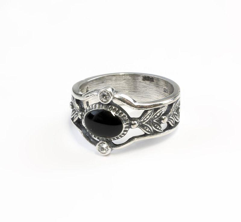 925er Silber Ring mit Onyx u. Swarovski-Steinen Gr. 56 9901219