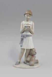Hündchens Geburtstag - Mädchen mit Torte und Hund Nao Lladro Spanien 9956095