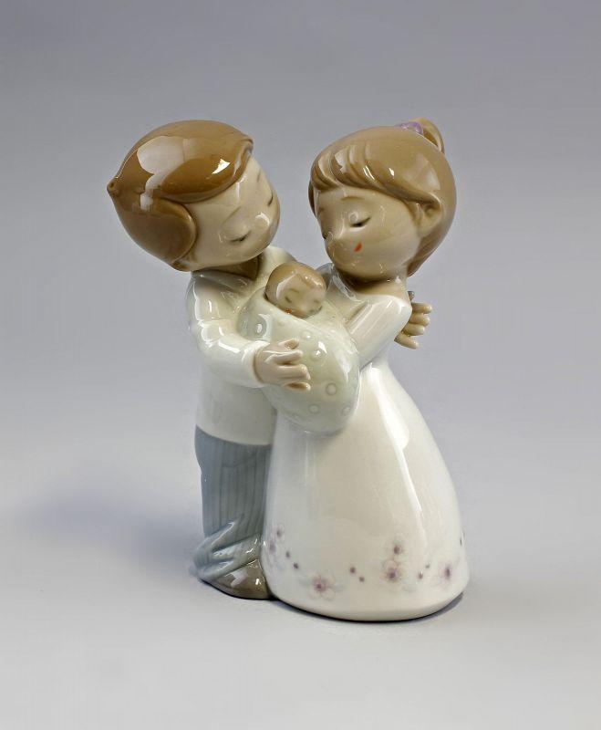 Porzellan Figur Liebe ist...Paar mit Baby Nao Lladro Spanien 9956050 0