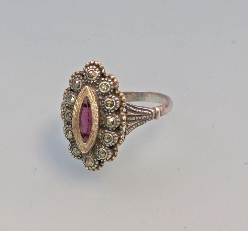 8125154 Silberner Ring mit Markasiten und rotem Stein 925er Silber Gr.57