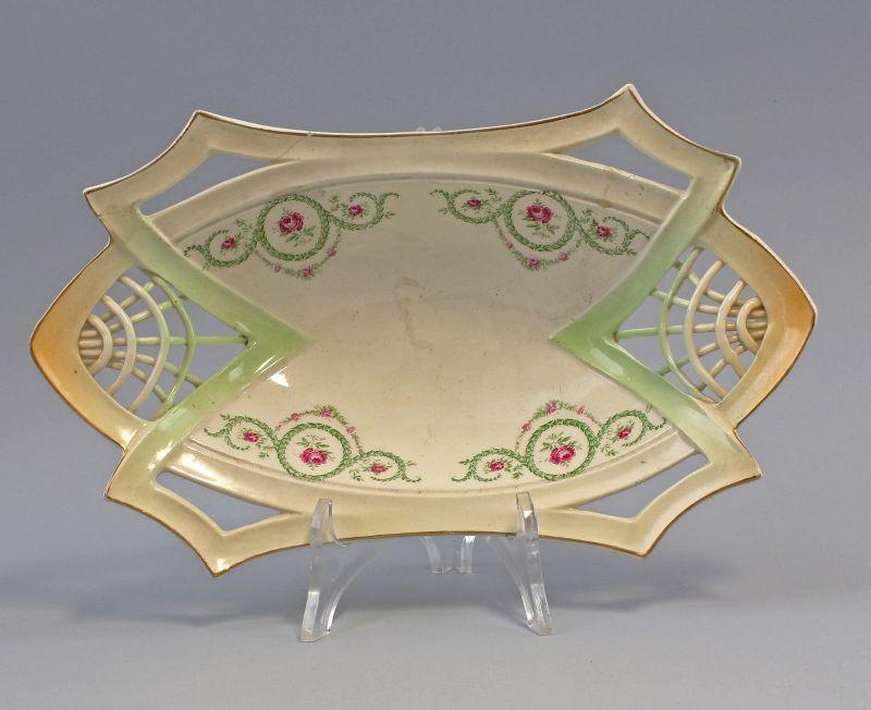 8145033 Keramik Schale Jugendstil um 1900 Rosenfestons