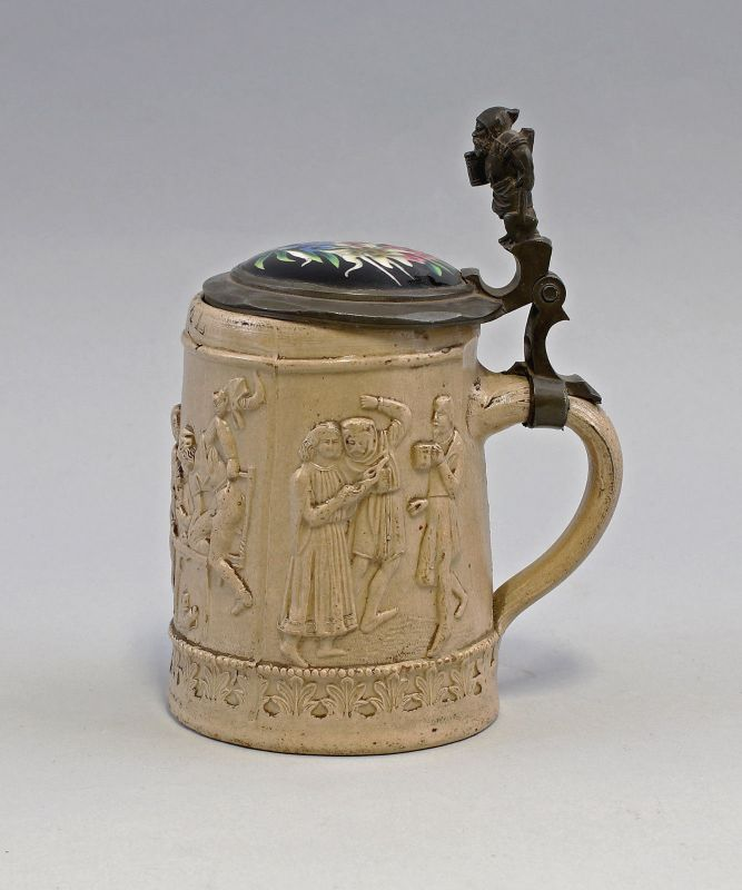 8145009 Keramik Model-Bierkrug Humpen Reliefdekor Trinkszenen