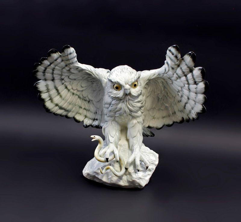 Porzellan Figur große Schneeeule Eule fliegend Vogel Ens 33x35m 9941731#