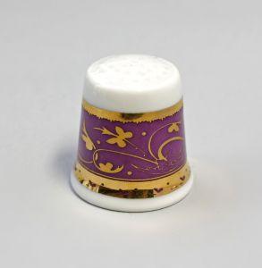 Kämmer Porzellan Fingerhut Blume Ornament gold/lila 2,5x2,6cm 9988235