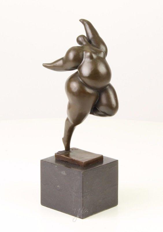 9973404-dssp Bronze Skulptur modernistisch mollige Frau laufend erotisch neu