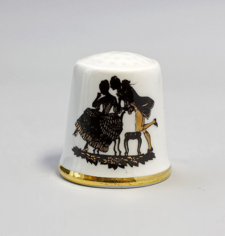 Kämmer Porzellan Fingerhut Scherenschnitt Rokoko Gold 2,4x2,6cm 9988245
