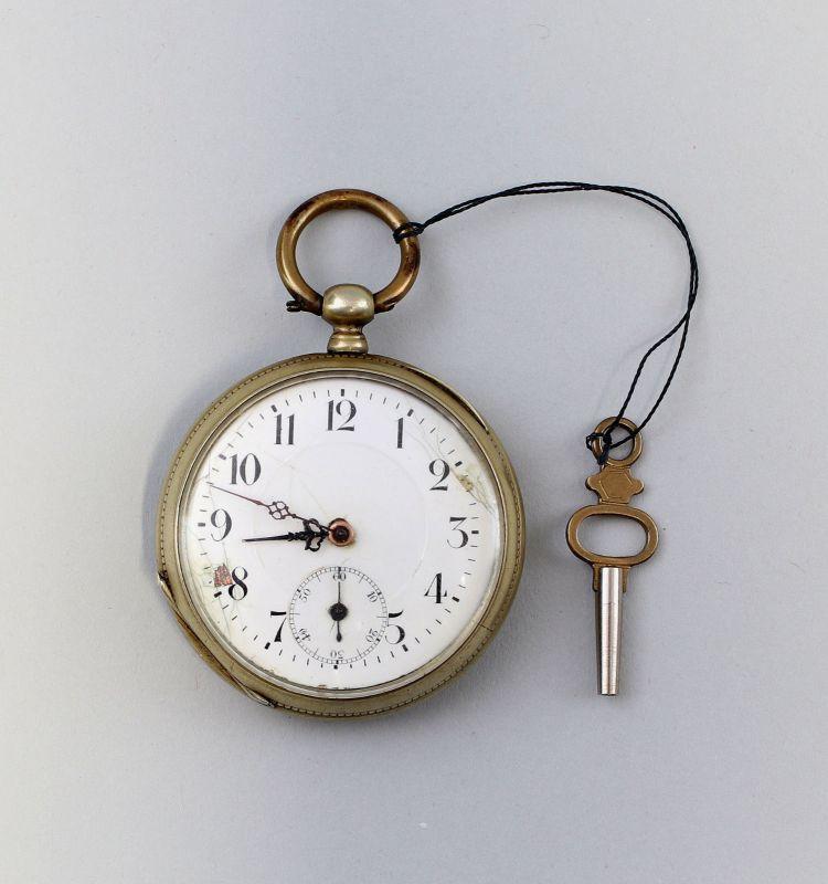 8220013 Schlüssel-Taschenuhr um 1880