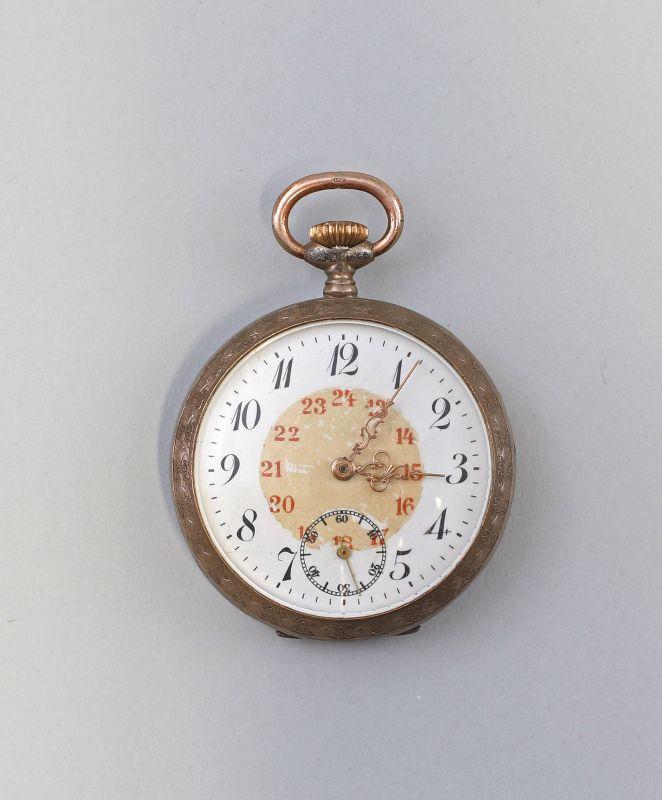 8220017 Taschenuhr silberfarben Emaillezifferblatt um 1900