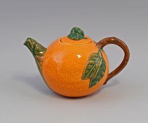 9918631 Kanne Krug Schenkkrug Teekanne Orange Keramik Majolika Portugal