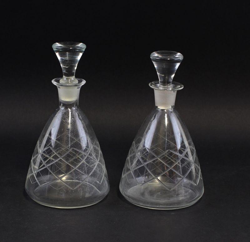 8235058 Paar handgeschliffene Karaffen Glas Kristall um 1930