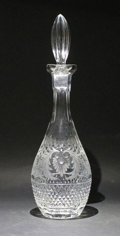 8235057 Handgeschliffene Karaffe Glas Kristall Böhmen um 1930
