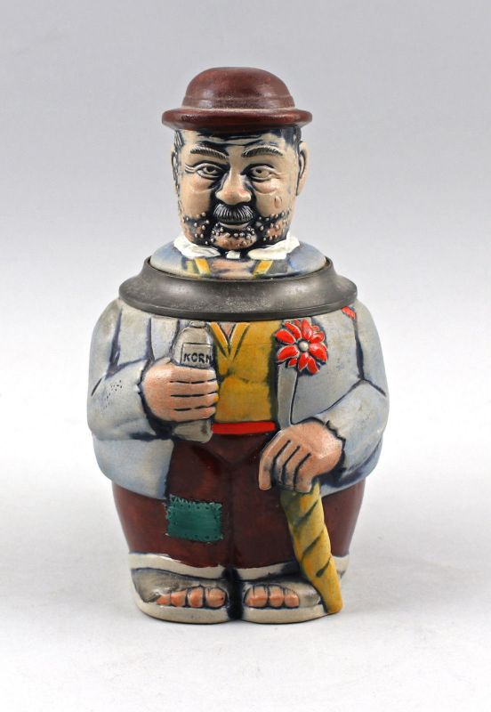 8248049 Westerwälder Figuren-Bierkrug Wanderer mit Korn