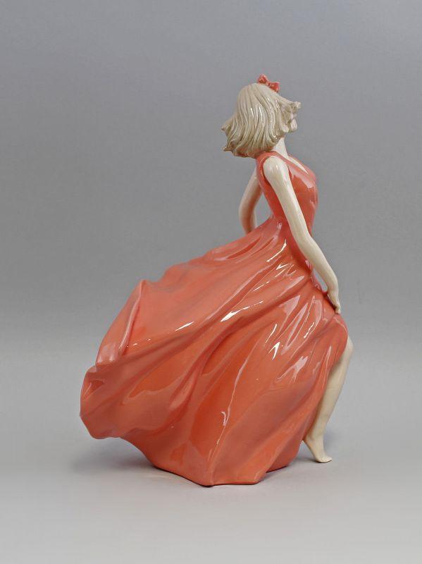 Porzellan Tänzerin im roten Kleid 9973009  II.Wahl 2