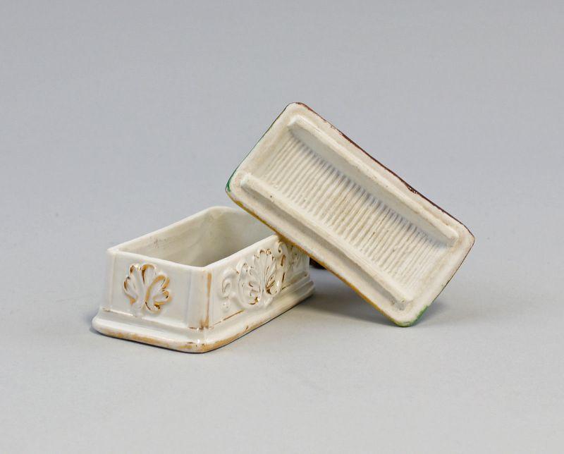 99840407 Zündholz-Dose Schachtel Porzellan Knabe und Löwe um 1900 handbemalt 3