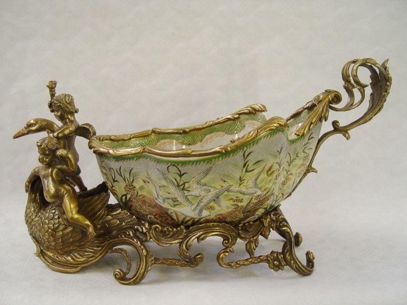 9973195-dss Bronze Keramik Tafel-Aufsatz Jardiniere mit Putten Putto 22x20x46cm