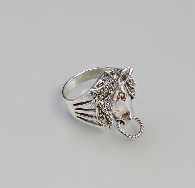 Silberner Markasit-Ring Pferdekopf Granataugen 925er Silber Gr. 57 9927444