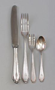 8330015 Silbernes Speisebesteck f. 6 Pers. Köberlin 800er Silber 744 g