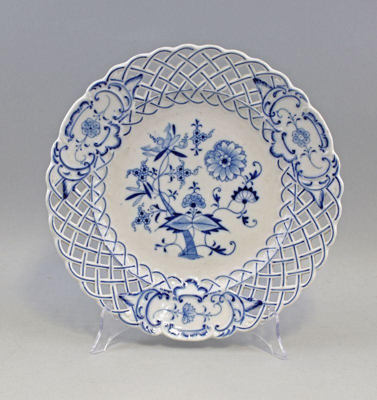8340016 Porzellan Durchbruchteller Teichert Zwiebelmuster Blaudekor um 1900