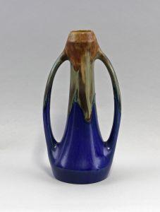8345036 Keramik Henkel-Vase Laufglasur Jugendstil Frankreich um 1900