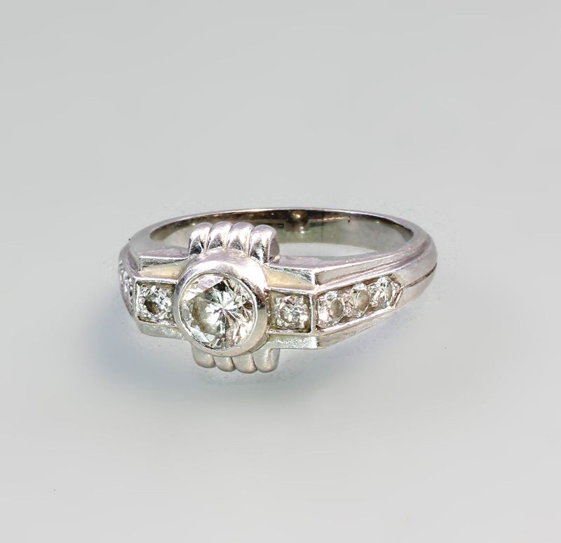 8325157 Platin Brillant Ring Art Deco