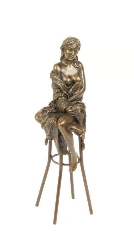 9973303-dss Bronze Skulptur Nackte auf Barhocker erotisch 7x9x26cm