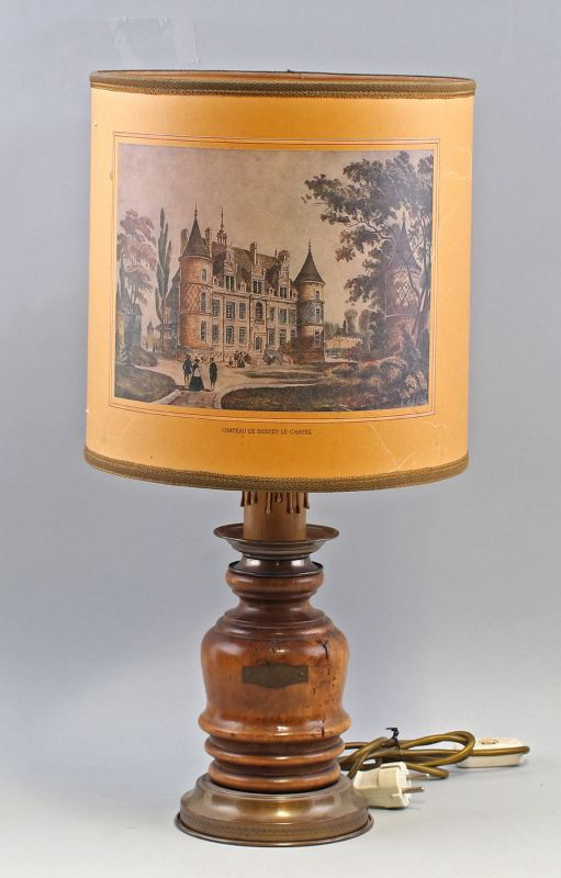 8368006 Tischlampe Denz Neheim-Hüsten Chateau De Boissey-Le-Chatel H60cm