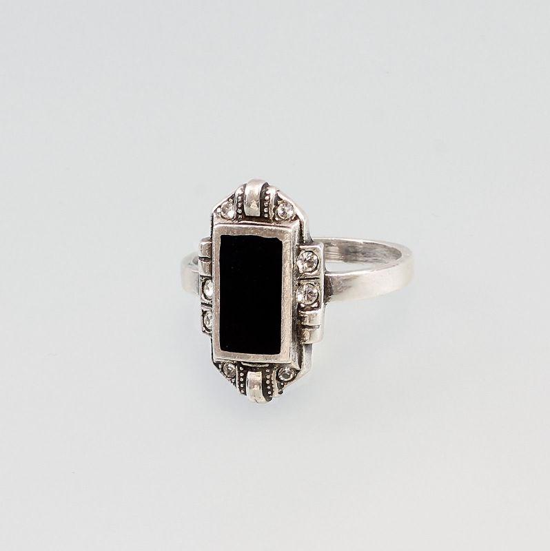Ring m. Swarovski-Steinen und Onyx 9901333