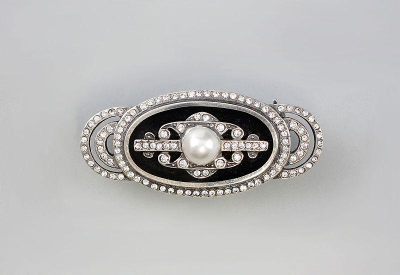 Brosche mit Perle, Onyx und Swarovski-Steinen  9901125