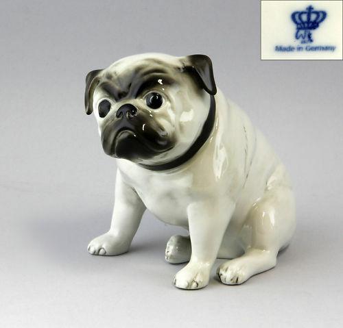 9942218 Porzellan Figur Wagner Apel Mops Hund Grau H16cm