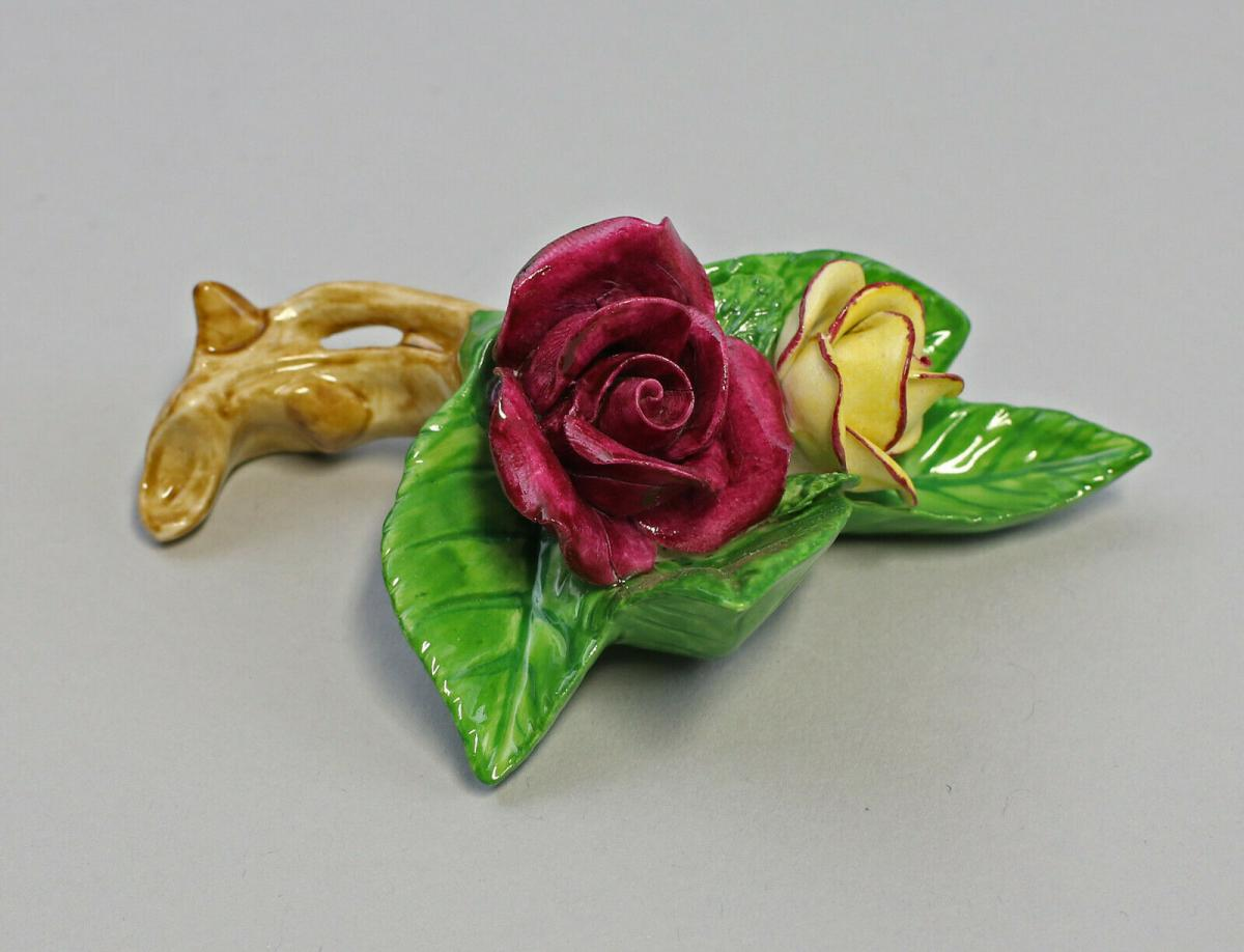 9959610 Porzellan Figur Tischblume Rose Zweig gelb purpur 10x5x4cm