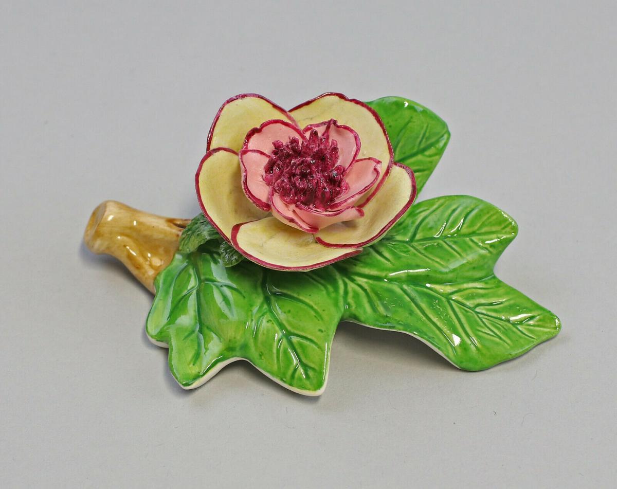 9959609 Porzellan Figur Tischblume Rose Zweig gelbrot 10x5x4,5cm