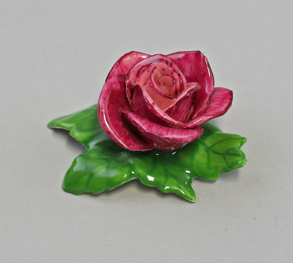 9959618 Porzellan Figur Tischblume Rose purpur Ens 7x5x3cm