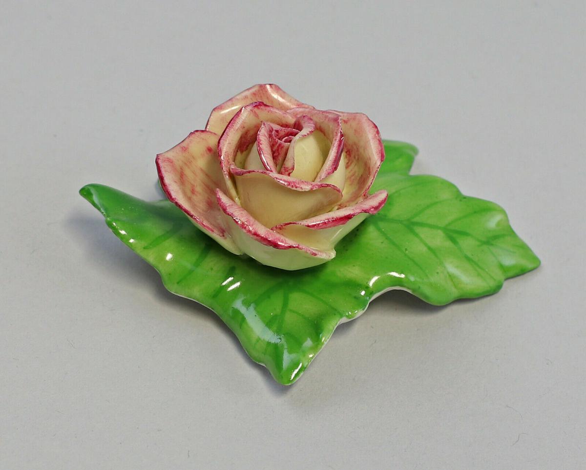 9959615 Porzellan Figur Tischblume Wild- Rose gelb purpur Ens 7x5x3cm