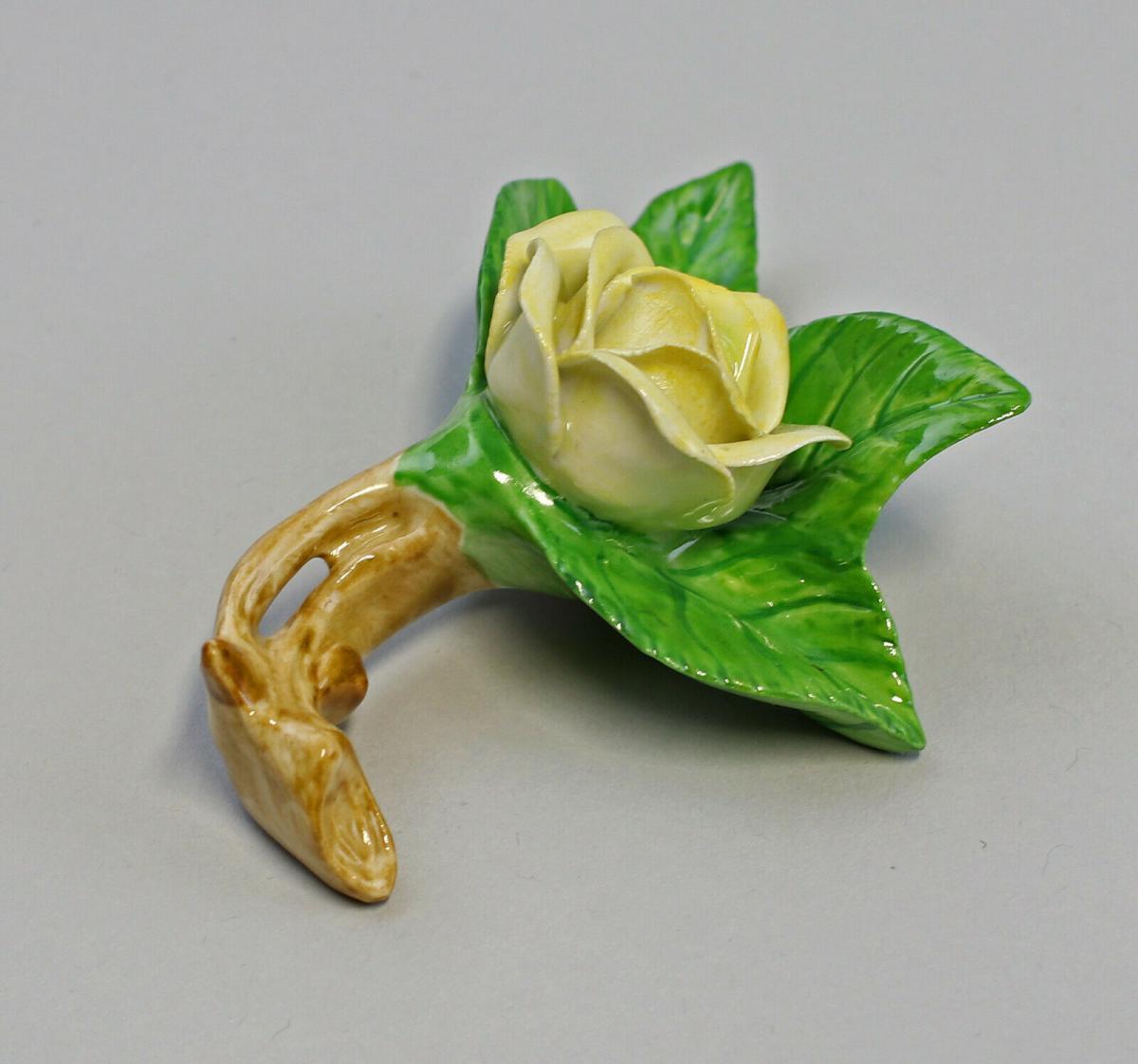 9959608 Porzellan Figur Tischblume Rose Zweig gelb Ens 7,5x7x3,5cm 1