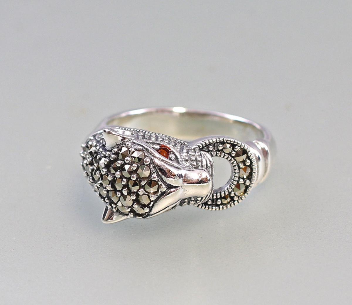 9927178 925er Silber Markasiten Ring Raubkatze Granataugen Gr.58