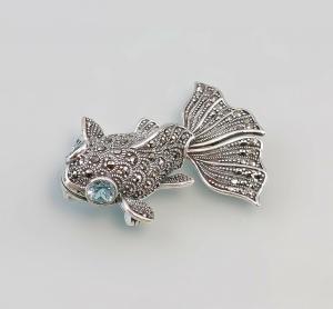 9927527 925er Silber Blautopas-Markasit- Brosche/Anhänger Fisch