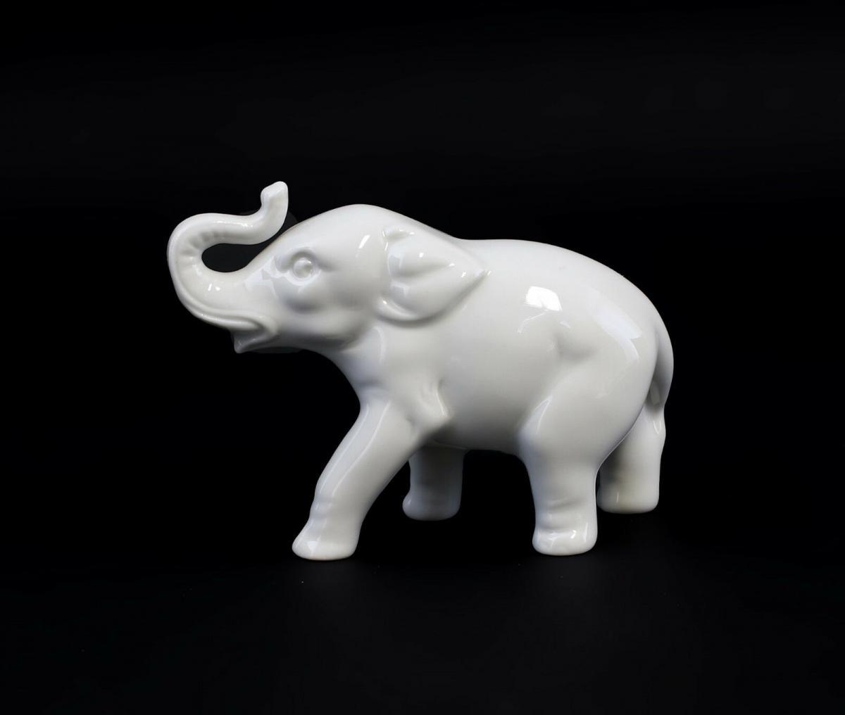 Porzellan Figur kleiner Elefant weiß Wagner&Apel 11,5x9cm 9942720