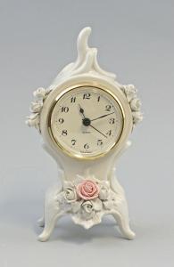 9959355 Porzellan Uhr Tischuhr Quartzwerk Ens 9x9x19cm